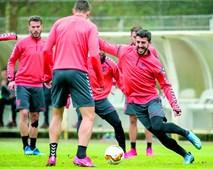 Paulinho em ação no treino desta terça-feira da equipa do Sp. Braga