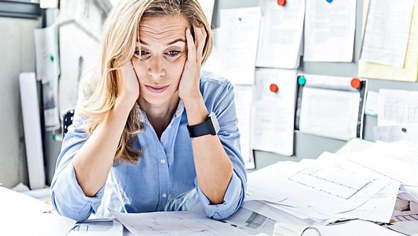 Anda cansado no trabalho? Conheça os sintomas e o tratamento da Síndrome de Burnout