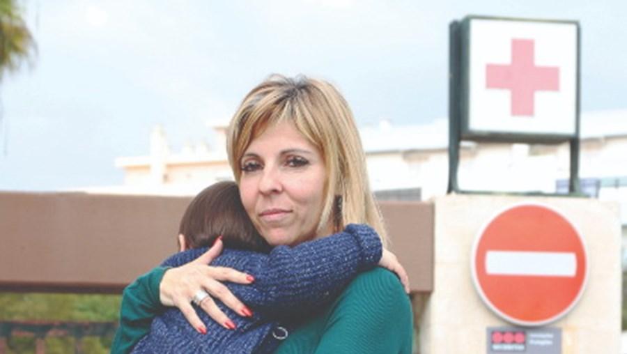 Sandra Portela com o filho