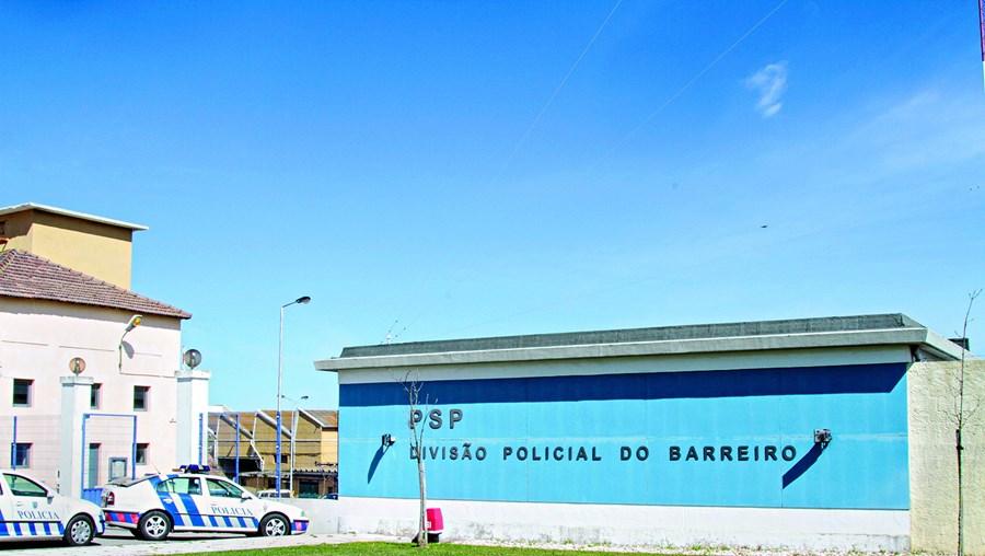 Polícias ficaram meia hora formados na PSP do Barreiro e ouviram raspanetes individuais do seu comandante