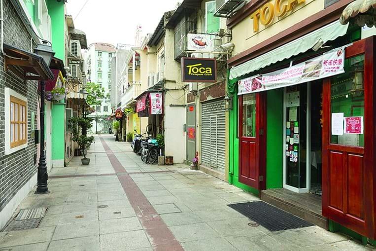 Ruas de Macau estão desertas