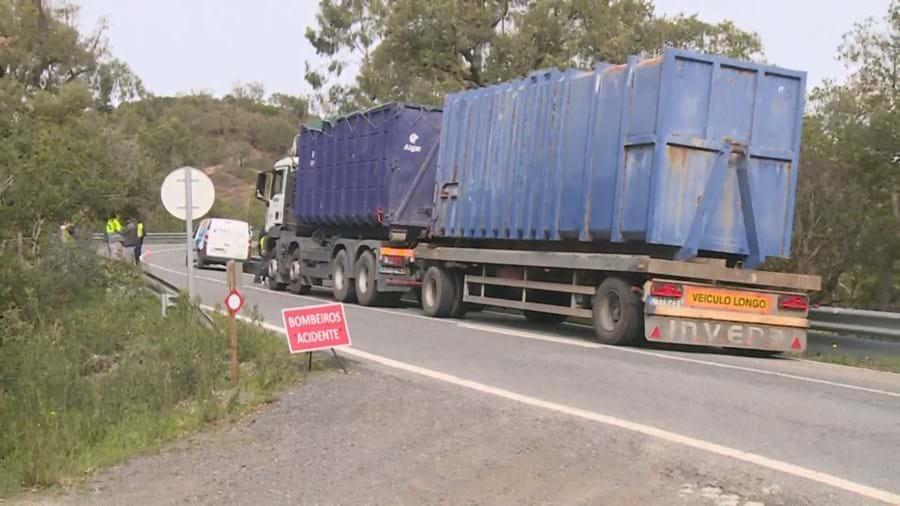 Despiste de camião do lixo faz um ferido grave em São Brás de Alportel