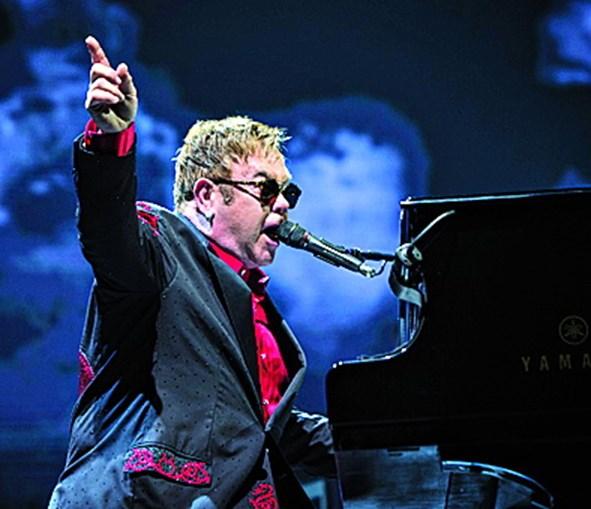 Elton John é um dos artistas lesados