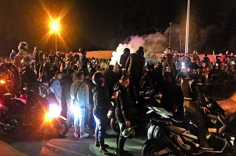 Cerca de 500 pessoas cortaram a Segunda Circular, em Lisboa, em homenagem aos três mortos do acidente de sexta-feira