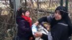 Imagens chocantes mostram criança em desespero na fronteira entre Turquia e Grécia