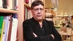 Escritor Luis Sepúlveda com coronavírus deixa quatro colaboradores da Porto Editora em quarentena