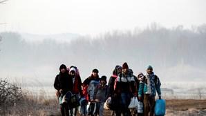 26 organizações não-governamentais acusam Grécia de deixar migrantes sem alimentos