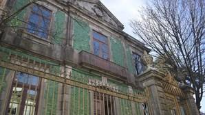 Coronavírus deixa 40 alunos e professores da ESMAE no Porto em quarentena. Docente da escola está infetado