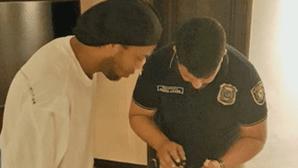 Ex-jogador Ronaldinho Gaúcho detido no Paraguai
