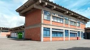 Especialistas tranquilizam pais de alunos de escola da Amadora onde lecionava professora com coronavírus