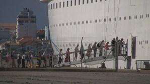 Mais de 40 portugueses retidos num cruzeiro no Egito devido a dezenas de casos confirmados de coronavírus
