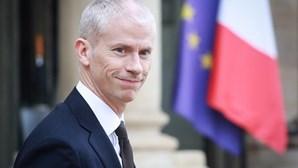 Ministro francês da Cultura infetado com coronavírus