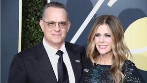 """Ator Tom Hanks recorda infeção por coronavírus: """"os meus ossos pareciam bolachas"""""""
