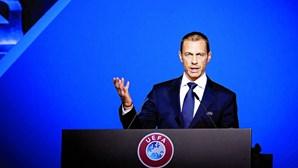 """Presidente da UEFA deseja """"total e rápida"""" recuperação a Eriksen"""