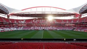 """Direção do Benfica reúne """"nos próximos dias"""" para decidir preferência sobre ações de Vieira"""