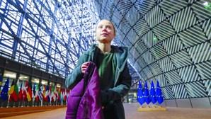 """""""O mundo está a passar por um """"ponto de mudança social"""", diz Greta Thunberg"""