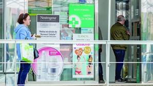 Corridas às farmácias esgota vários remédios em mês de pandemia