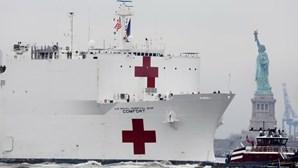 Tripulante de navio-hospital atracado em Nova Iorque infetado com coronavírus