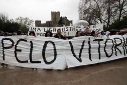 Marcha de protesto reúne entre 2.000 e 3.000 adeptos do Vitória de Guimarães
