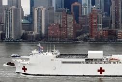Navio Comfort chegou esta segunda-feira a Nova Iorque