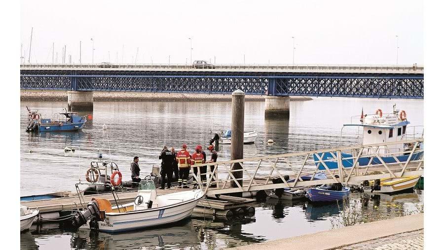 Corpo do homem de 87 anos foi recuperado do rio Arade por elementos da Polícia Marítima, ontem de manhã