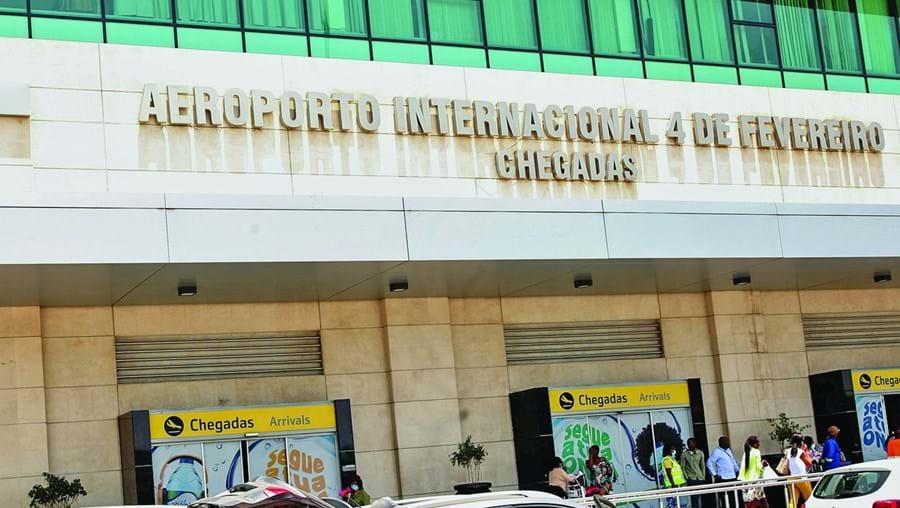 Passageiros que chegaram de Lisboa e do Porto foram colocados em quarentena