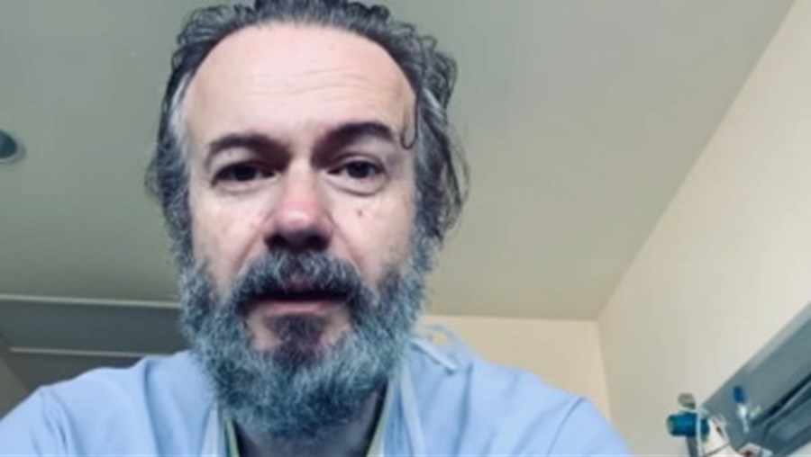 'Recebi a melhor notícia': Ator espanhol recupera do coronavírus após ter estado internado