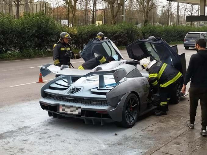 Supercarro McLaren Senna incendeia-se em Braga. Veja as imagens