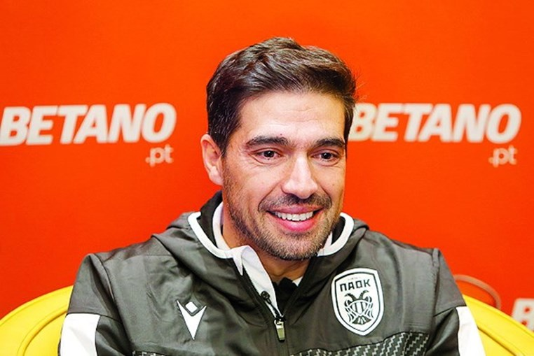 Abel Ferreira é o técnico do Paok