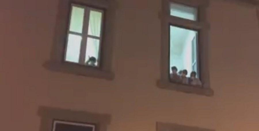 Funcionárias de lar de Vila Real gritam por apoio à janela