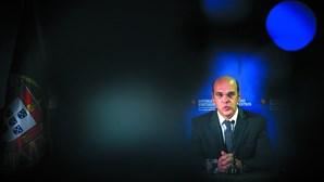"""Governo está a """"criar condições"""" para adeptos regressarem aos estádios, diz ministro da Economia"""