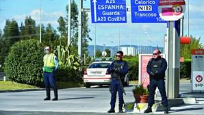 34 mil polícias no terreno vigiam pessoas e carros durante Estado de Emergência