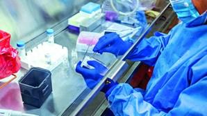 Países da UE instados a manter-se atentos a ofertas de vacinas falsas Covid