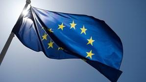 Líderes da União Europeia reúnem-se hoje em Bruxelas com temas quentes em agenda
