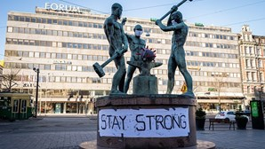 Finlândia usa armazéns secretos da Guerra Fria para enfrentar coronavírus