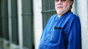 Luis Sepúlveda, o escritor que não resistiu após 48 dias internado na luta contra o coronavírus