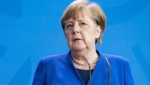 Angela Merkel visitou opositor russo Navalny no hospital em Berlim