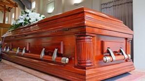 Morgues cheias e atraso nas cremações devido ao aumento de mortos por Covid-19