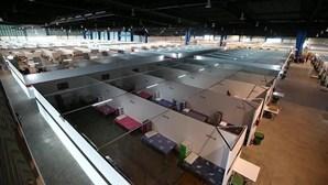 Singapura inicia construção de novos espaços para receber doentes infetados com coronavírus