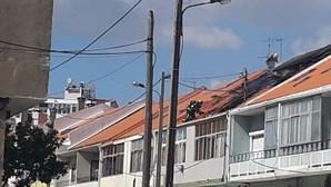 Incêndio em prédio deixa dois desalojados em Almada