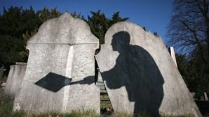 Saco com ossadas encontrado junto a cemitério em Fafe
