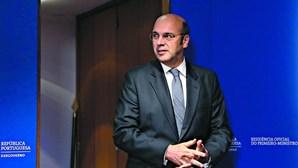 Governo pondera novas medidas de apoio ao emprego e empresas, diz Siza Vieira