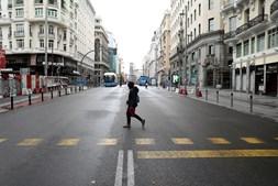 Ruas de Madrid desertas durante pandemia de coronavírus