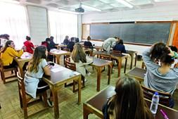Regresso às escolas em plena pandemia levará a que milhares de professores não possam estar presentes por integrarem grupos de risco