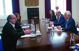 António Costa e Siza Vieira reuniram ontem com os dirigentes da restauração