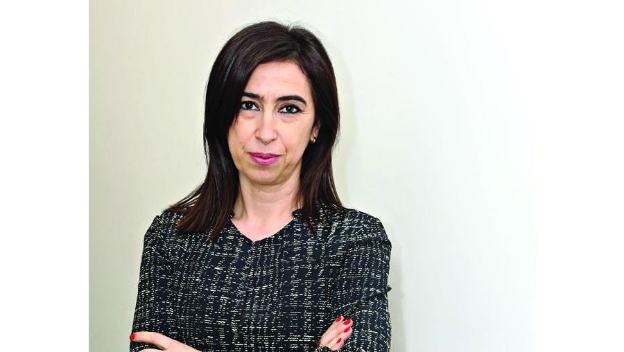 Alexandra Bento esclarece leitores