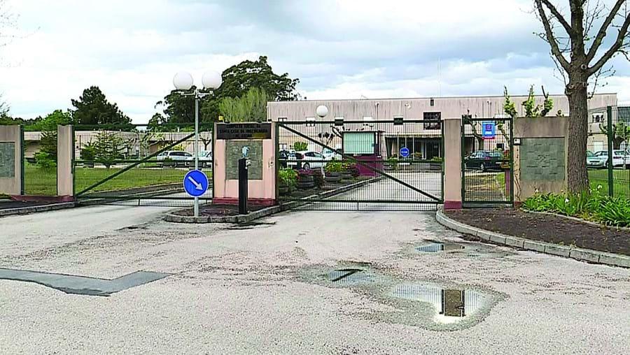 O lar de Oliveirinha está a preocupar as autoridades de saúde