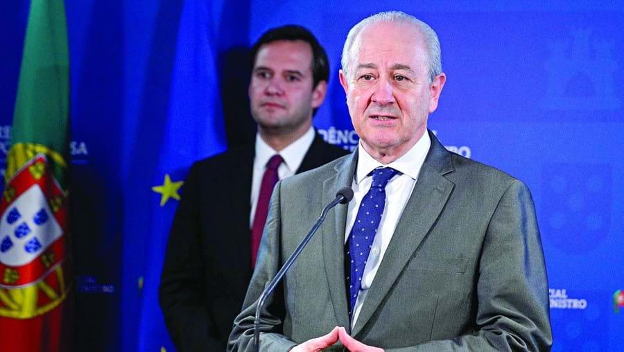 """Rui Rio, presidente do PSD, diz que a solução do Governo é """"insatisfatória"""""""