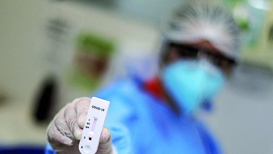 Especialistas procuram vacina