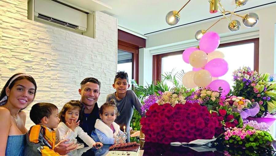Cristiano Ronaldo com Georgina e os filhos